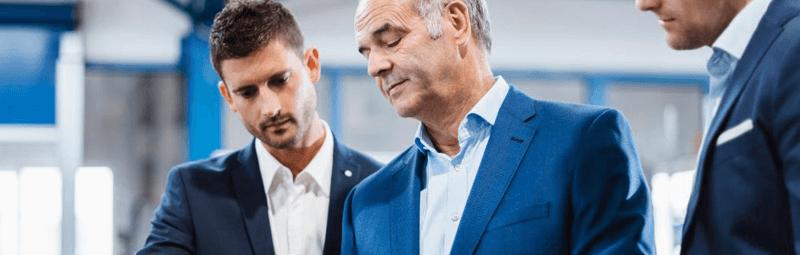 یک مدیر موفق دارای چه ویژگیهایی است؟